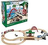 BRIO World 33512 Großes BRIO Bahn Reisezug Set – Eisenbahn mit Bahnhof, Schienen und Figuren – Kleinkinderspielzeug empfohlen ab 3 Jahren